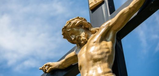 This is Why You Should Carry a Crucifix in Your Pocket All The Time